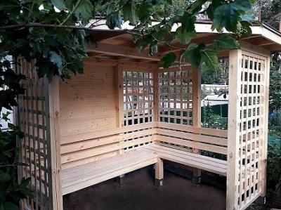Садовая пергола с лавкой 2х2 м